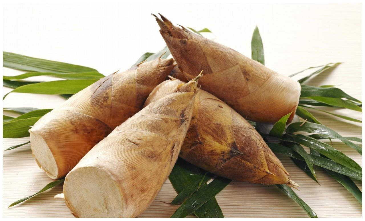 此物富含植物纤维,常吃可祛痰爽胃,滑利大肠,治高血压高血脂