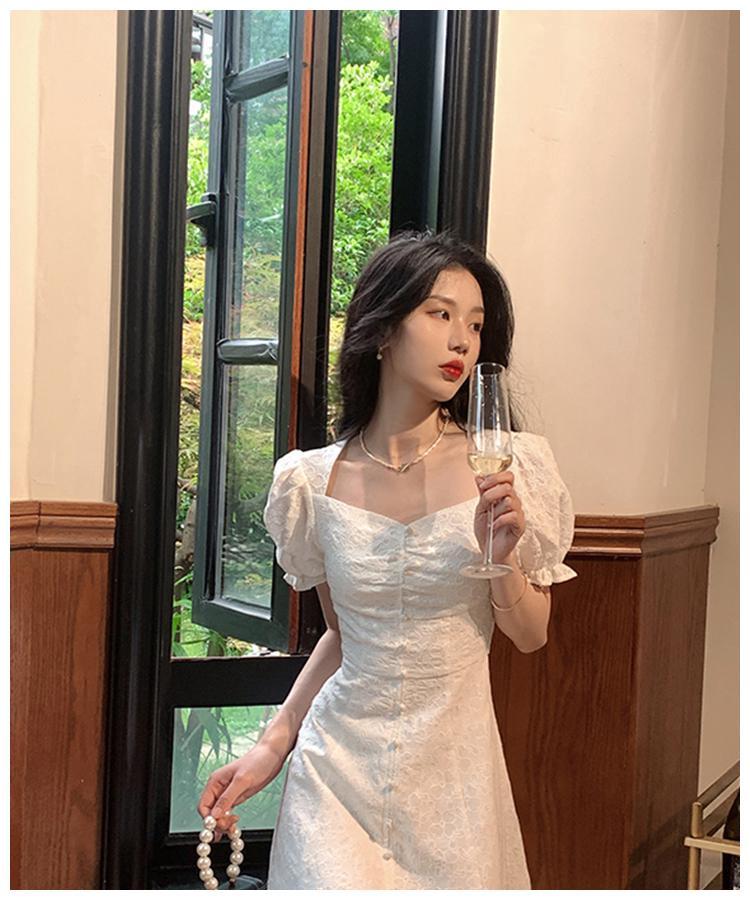 罗马假日复古小白裙,这应该是在逃公主穿的裙子吧