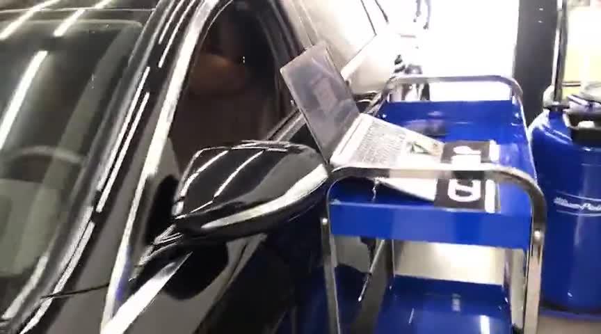 视频:奔驰E200HDP一阶写入中,等待测试结果