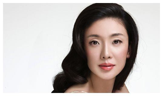 身高182的模特倪景阳,嫁身高165丈夫,如今怎样?
