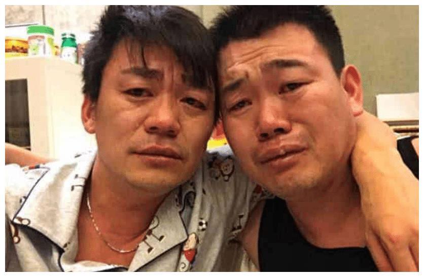 王宝强16岁胞弟意外身亡,凌晨和哥哥发文悼念,两人痛哭流涕