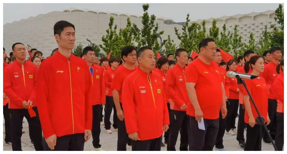 刘国梁领衔大合唱带头宣誓,新的集训即将开始