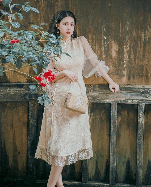 """比""""初恋裙""""更流行,最火的是""""旗袍裙"""",清纯减龄又显瘦"""