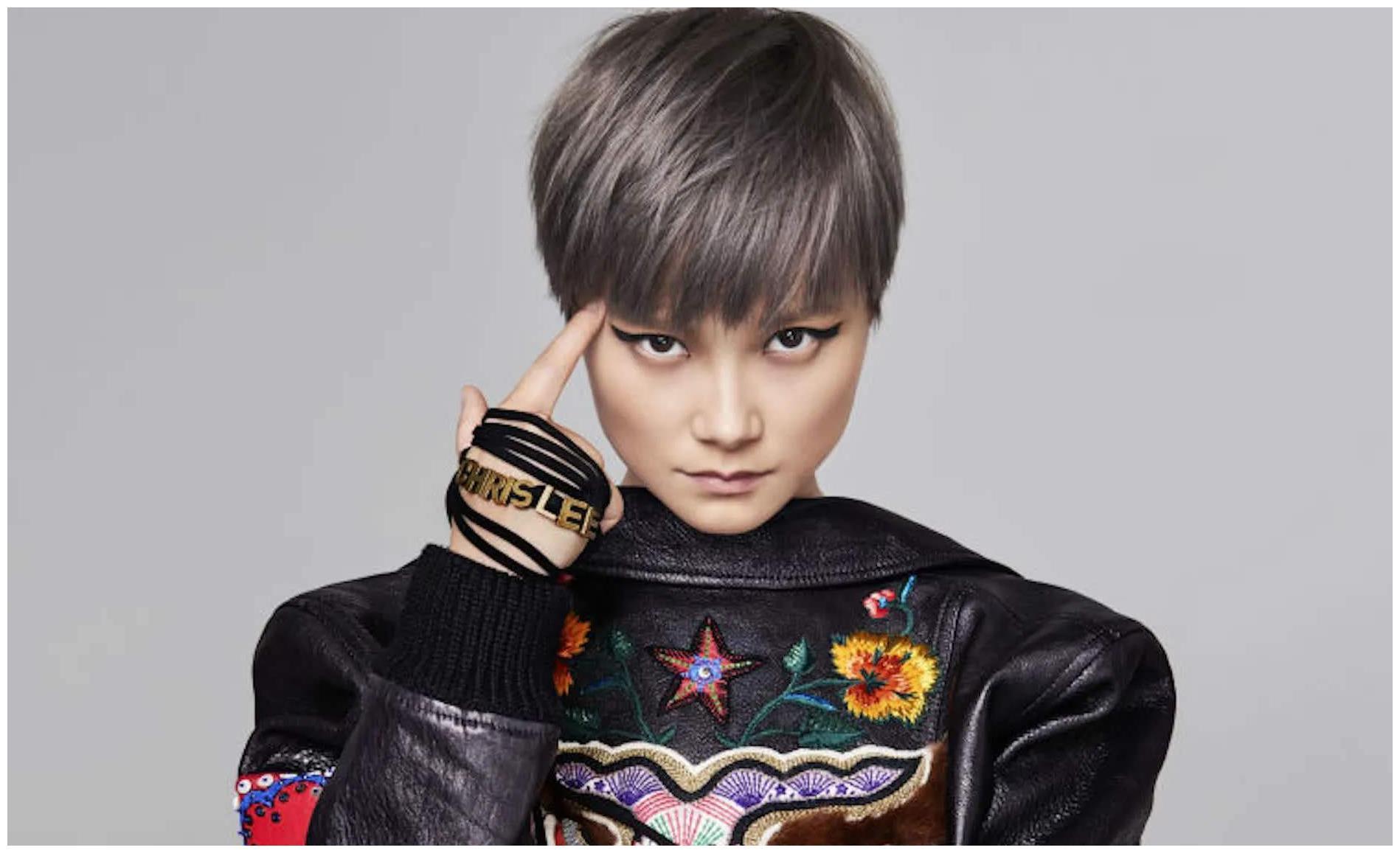 """李宇春:在""""超级女声""""神坛独一无二的存在,是什么让她火了16年"""