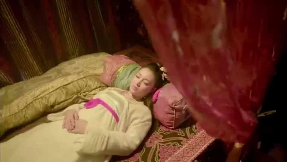 新萧十一郎:第一美女被抓,教主拿她喂蟒蛇,祖传血脉救她一命