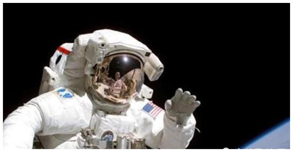 永远留在太空的6具遗体,5人1狗,为人类航天事业做出大贡献