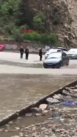 视频:我们开到西藏的神车,雪铁龙世嘉1.