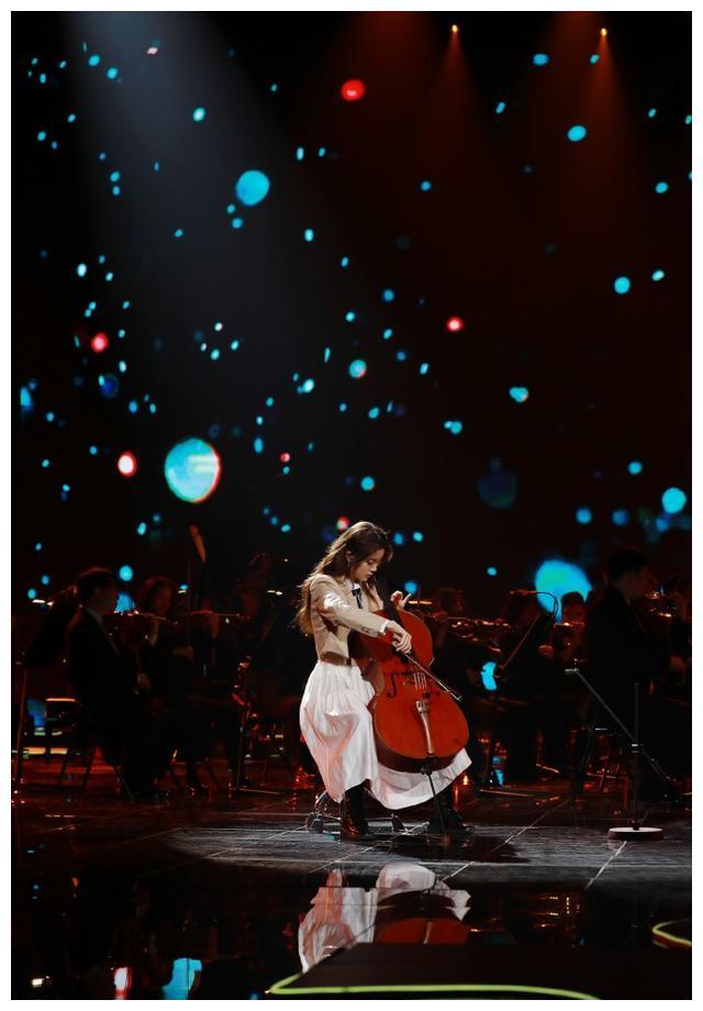 欧阳娜娜拉大提琴的时候最美