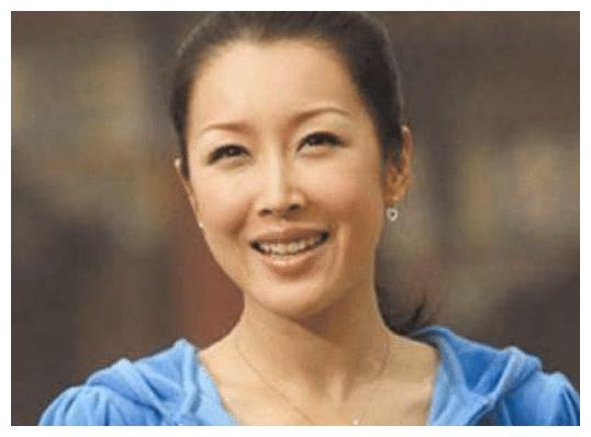 唱《祝你平安》的孙悦,前任破产、入狱、离世,她现在怎么样了?