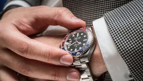 机械表大师:同样都是5万元的手表也存在鄙视链?你会怎么选呢?