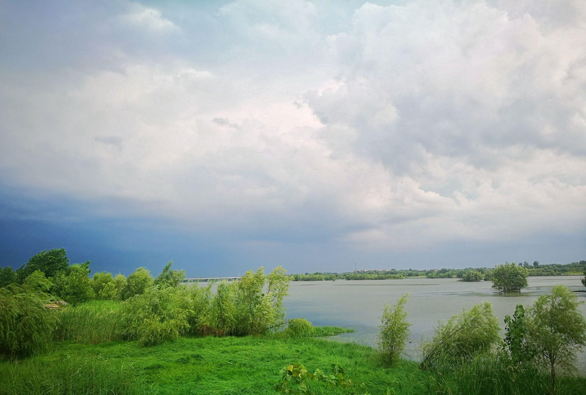 一号站平台登录网页:暴雨过后 罗浦公园是多么美丽 我傻傻地看着云朵流动和天空