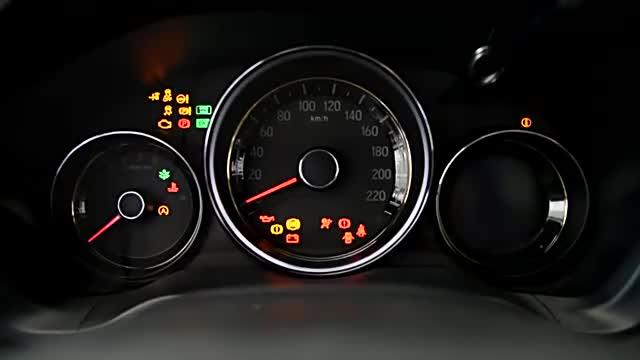 视频:本田XR-V车内功能演示,配置丰富,功能很实用