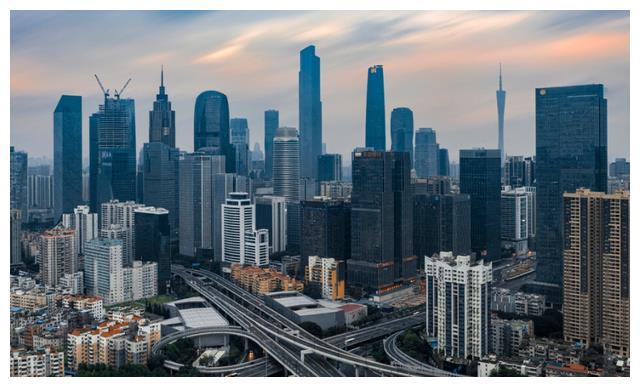 """各省2021gdp排名_2021各城GDP排名公布:深圳从第一跌至第五,江苏成最大""""黑马"""""""