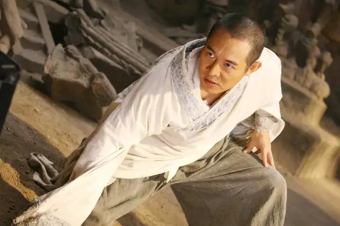 李连杰为了还人情拍的3部电影,输了口碑,却成最大赢家