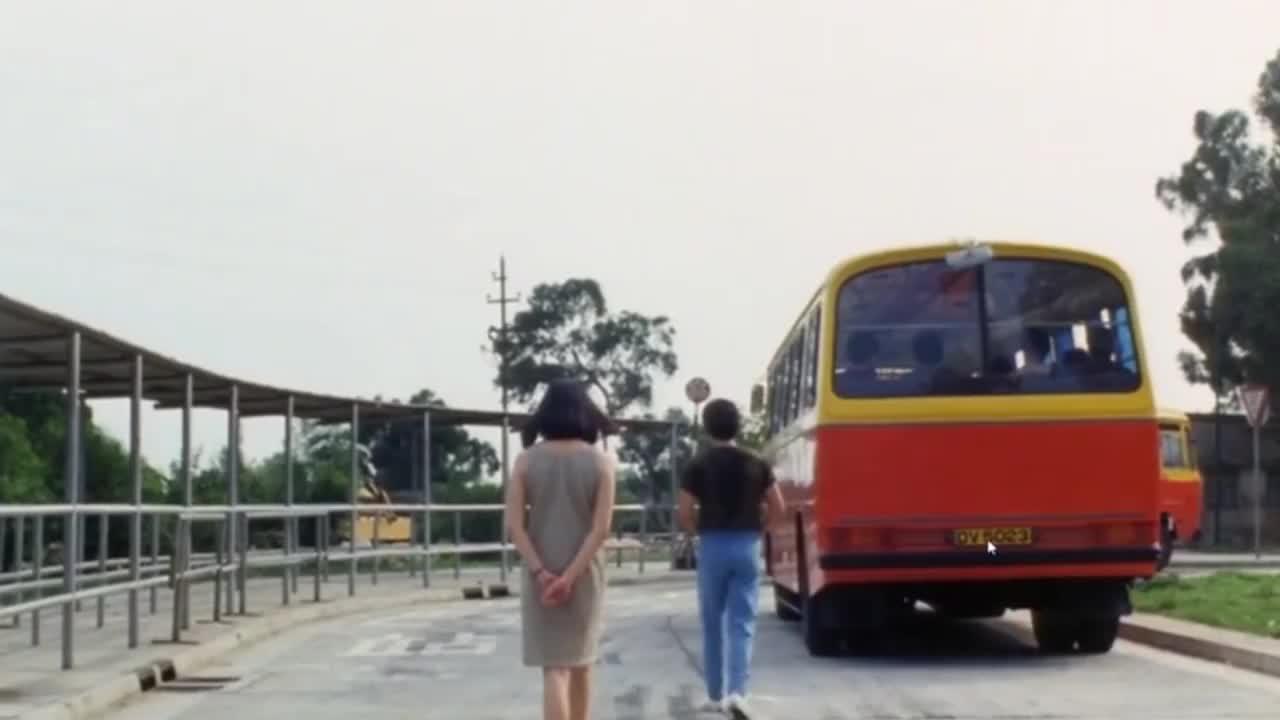 刘鸿一首《站台》,我的心在等待,80年代金曲,难以忘怀的经典!