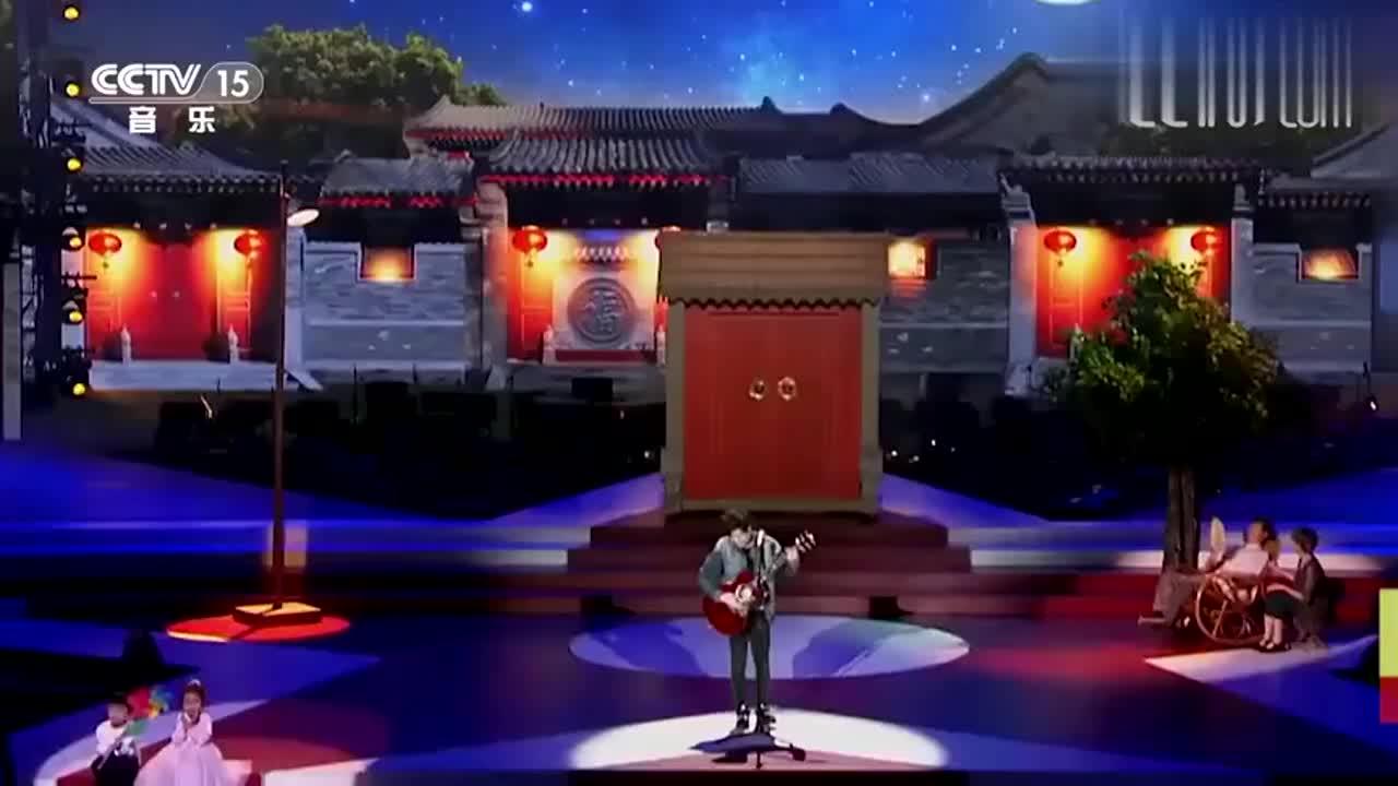 杜磊演唱《当你老了》,沧桑歌声太感人,惊艳全场!