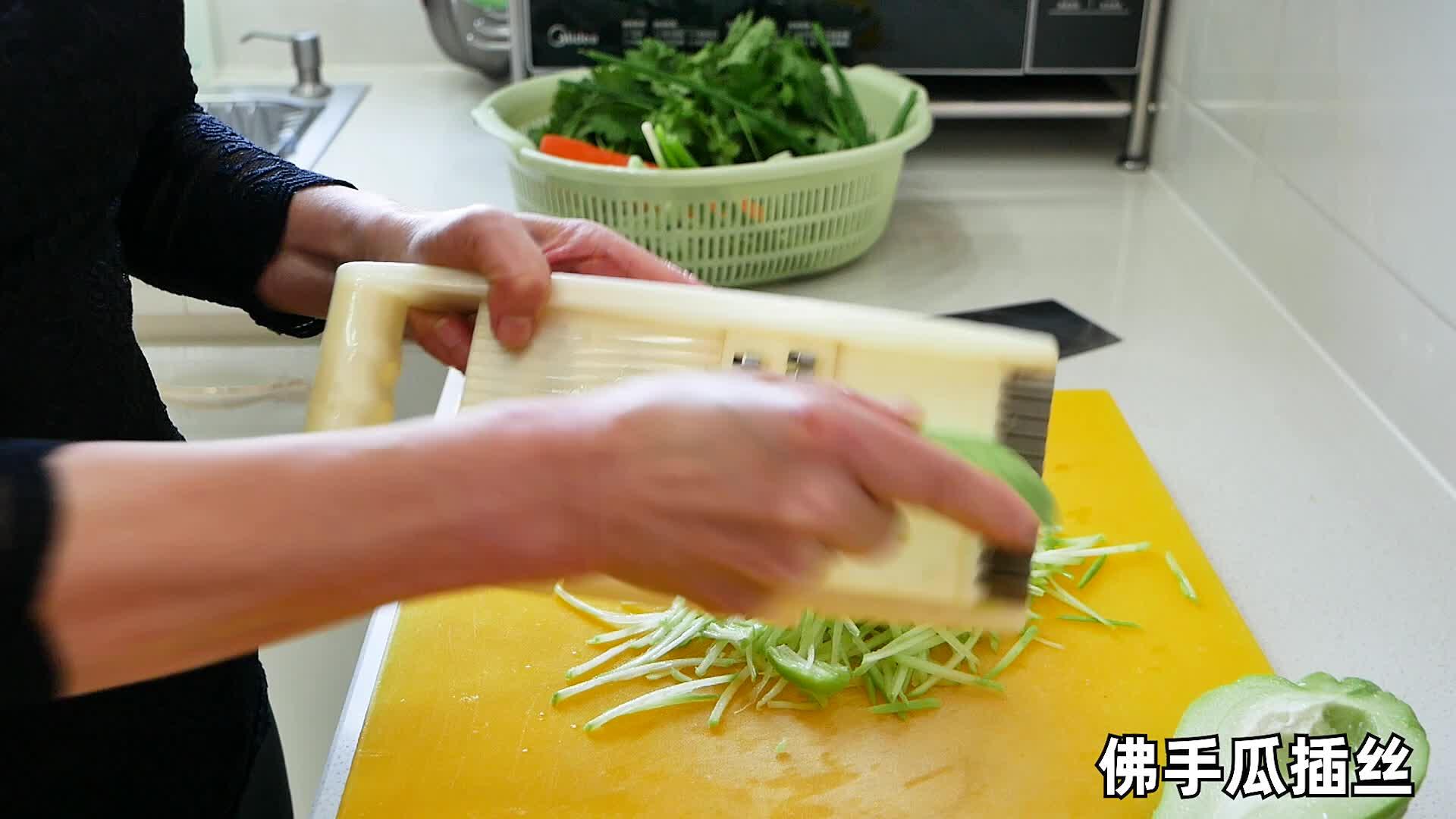 奶奶用饺子皮做特色面食名字好听福袋包,新式做法第一次见