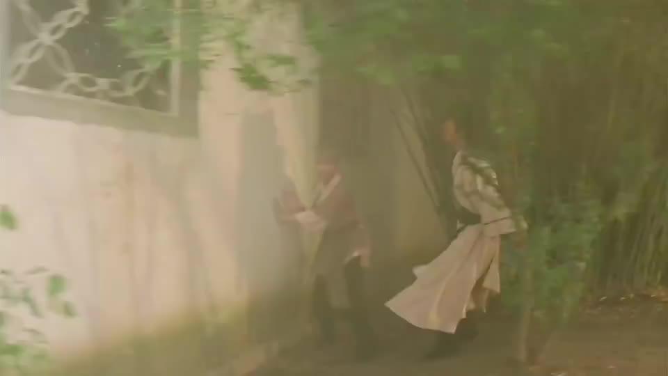 元彪:练的什么武功这么有气量,原来店小二是女扮男装