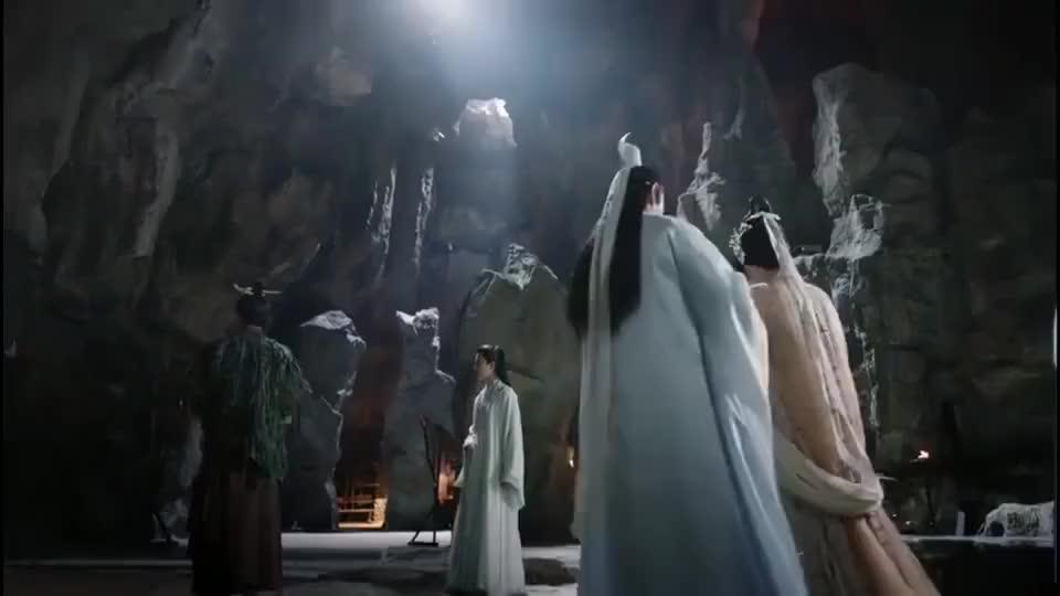 三生三世:乐胥埋怨是白浅害死了夜华,东华帝君一听直翻白眼!