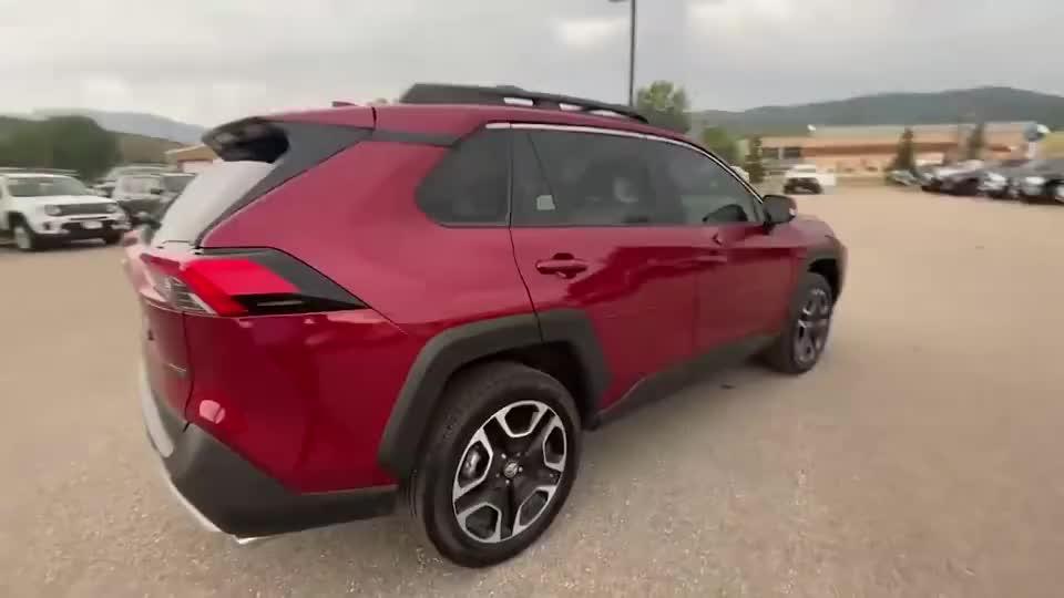 视频:2021款丰田RAV4越野版实车展示,近距离体验后,才知道有多帅气
