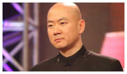 郭冬临连登春晚21年,因1句台词被索赔1亿,如今沦落做网红