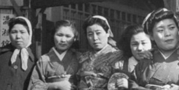 日本女人为何惧怕黑人?日本慰安妇的噩梦,男人只能在一边生
