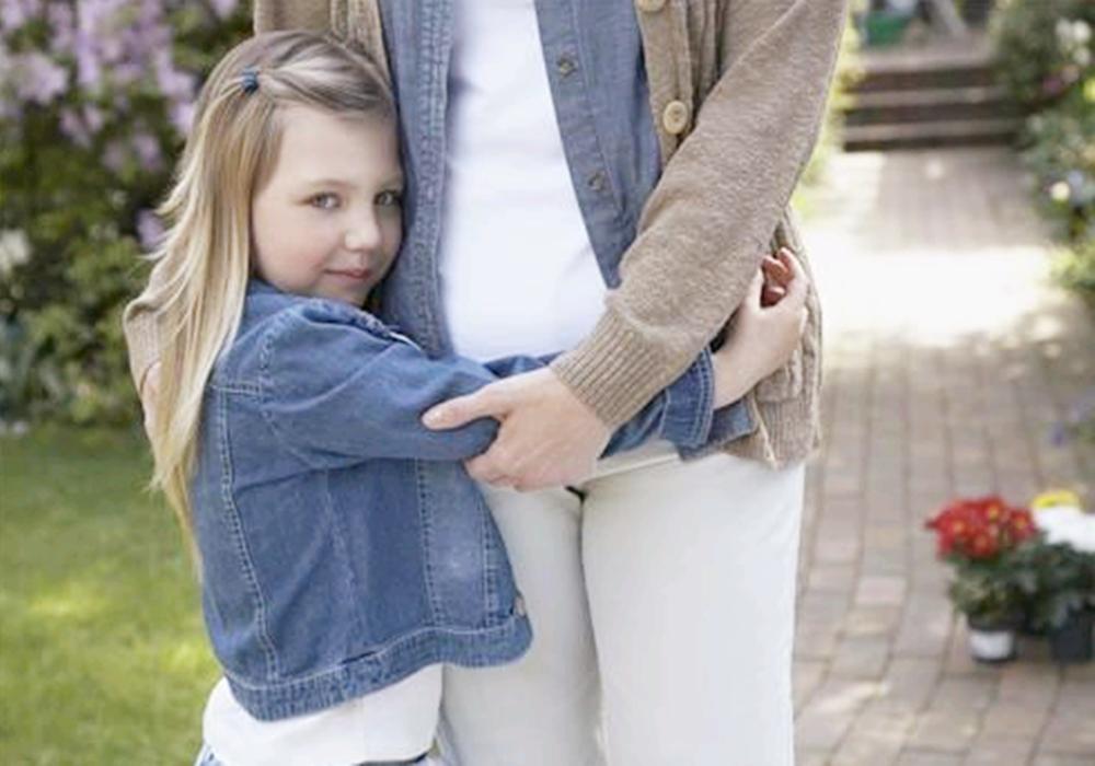 孩子见人不愿打招呼并非是没礼貌,家长要知道原因