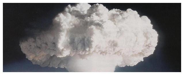 原子弹爆炸毁天灭地,为何一个距离爆心260米的女人可以幸存?