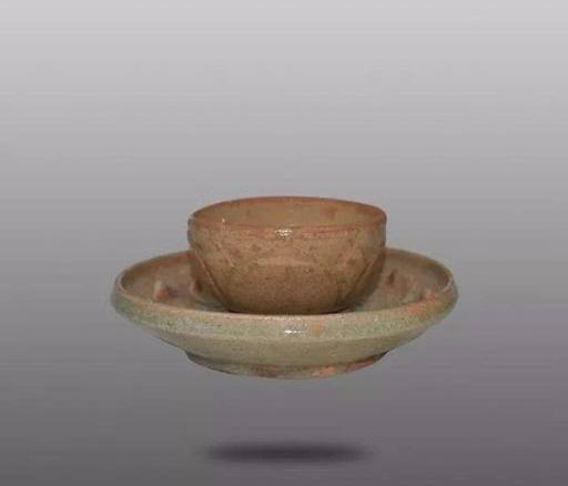 洪州窑青釉莲瓣纹带托碗