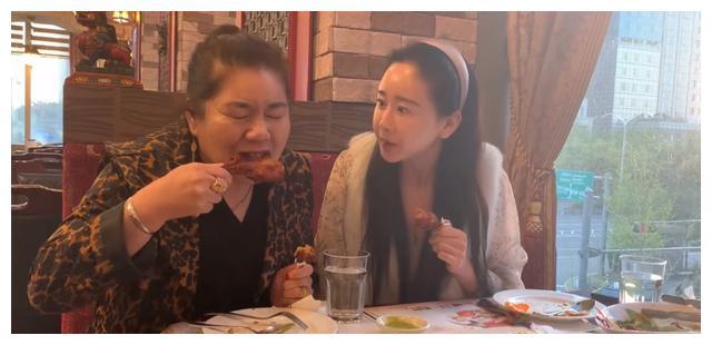 咸素媛和陈华生最新消息后续:咸素媛一家三口大吃大喝