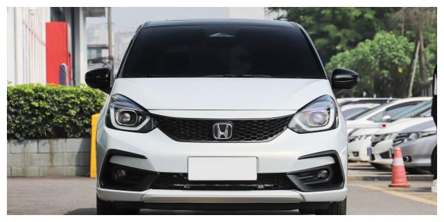 本田拿出诚意,一口气两款新车上市,配地球梦引擎,一身最新技术