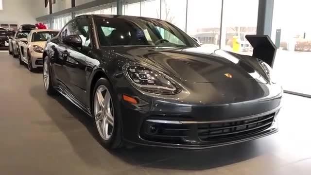 2020款的PorschePanamera4Grey330HP!