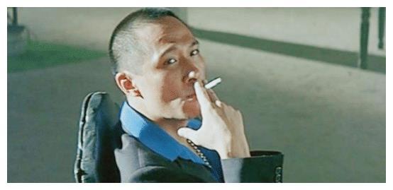 他是香港影坛反派鼻祖,将李小龙打到牙出血,向华强都要尊称前辈