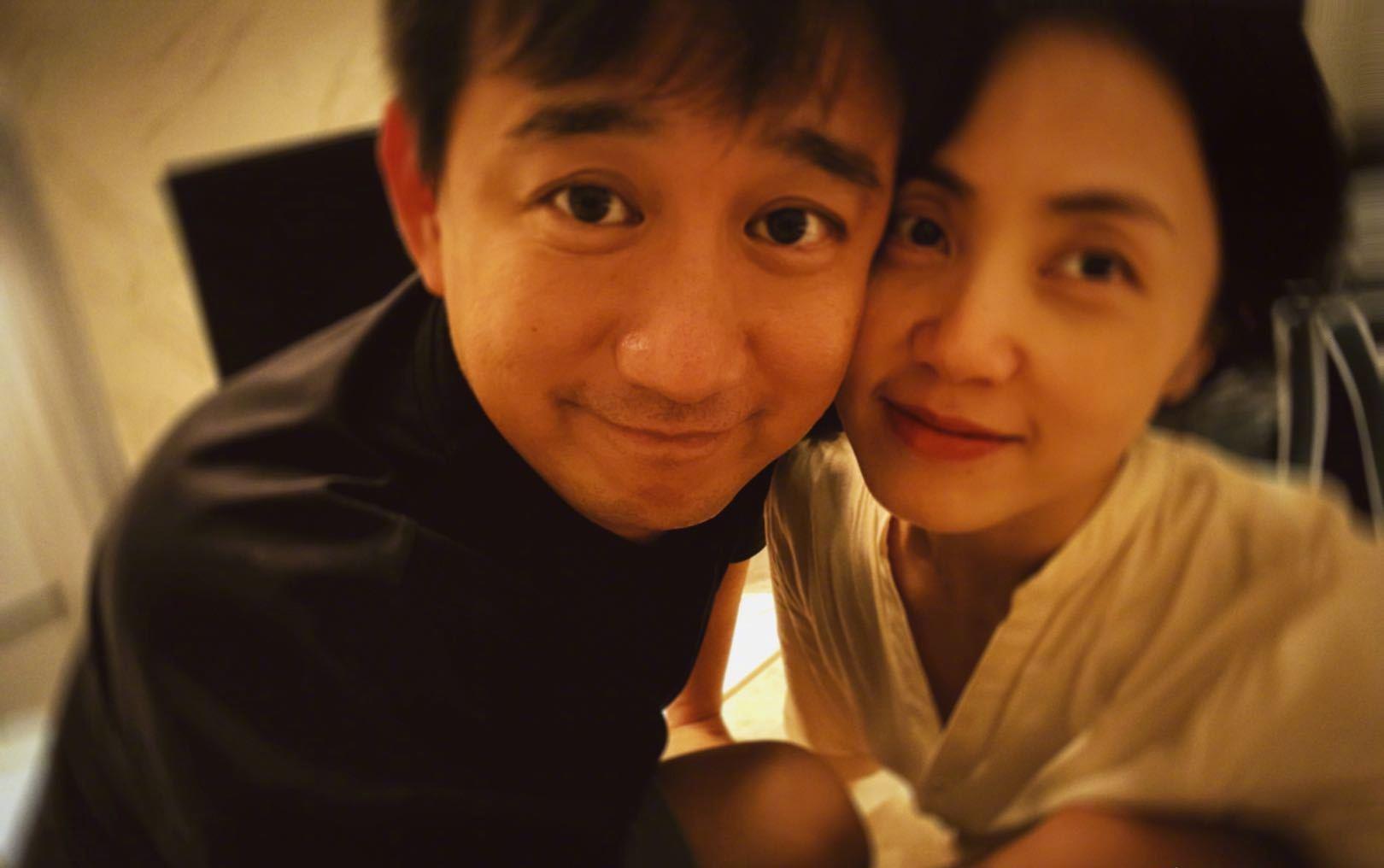 黄磊孙莉庆结婚纪念日,相爱17年依旧甜蜜,两女一儿羡煞旁人