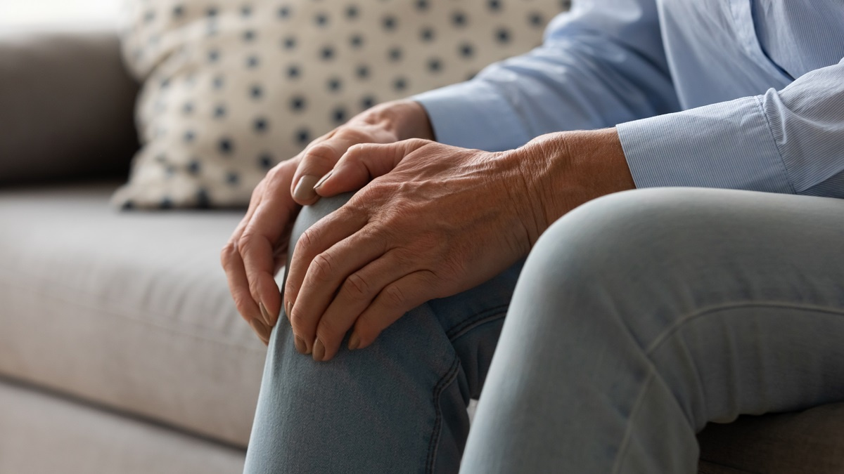 患上骨质疏松症,有3个症状表现,可别随便无视了
