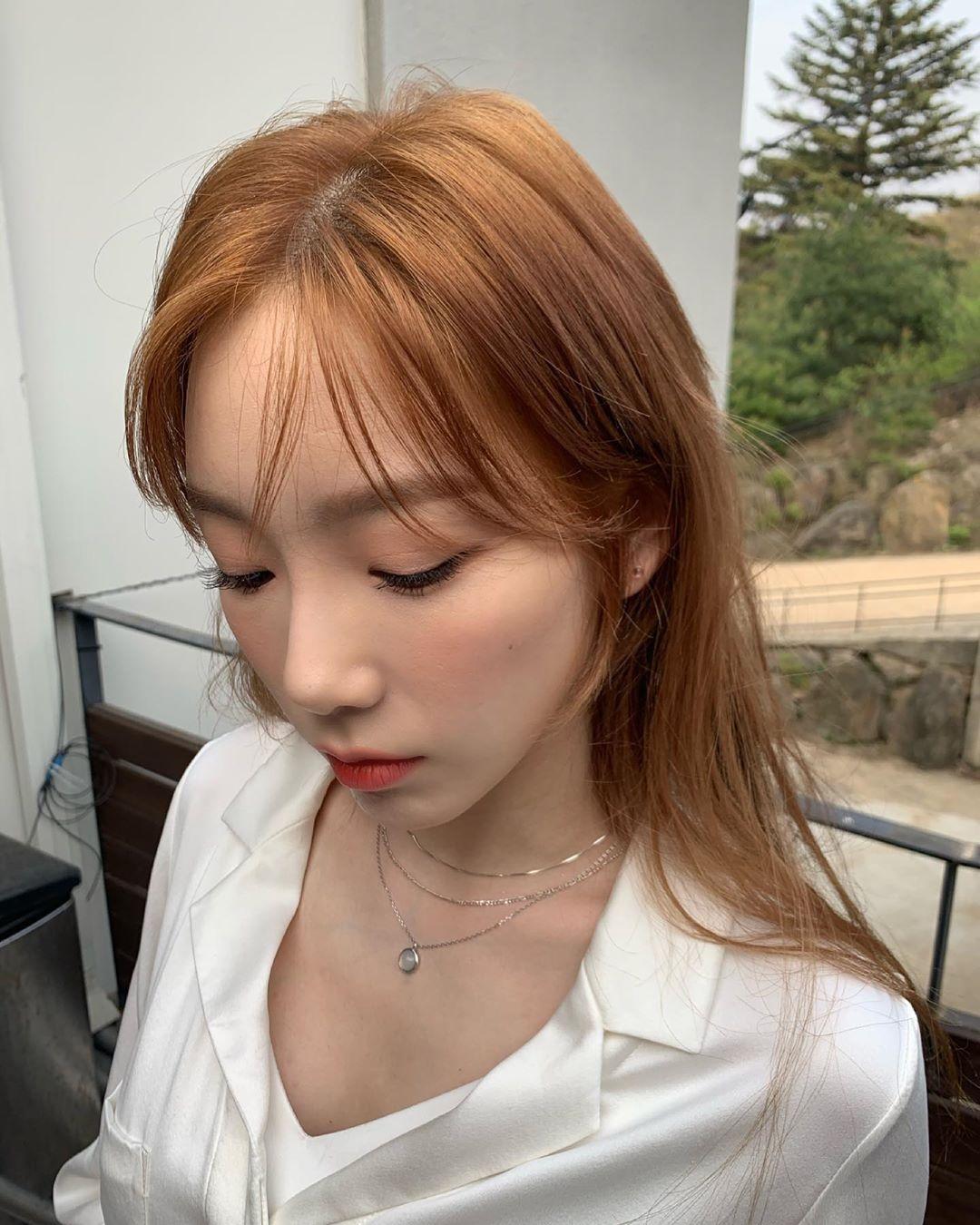 少女时代金泰妍公开清新气质的近况照片 美丽的眼睛令人心动