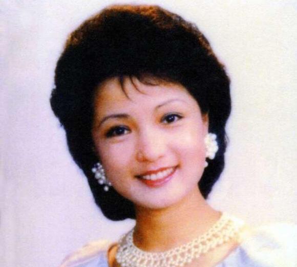 三次拒绝央视,与霍震霆传绯闻,这个北京女孩侯玉婷有什么能耐?