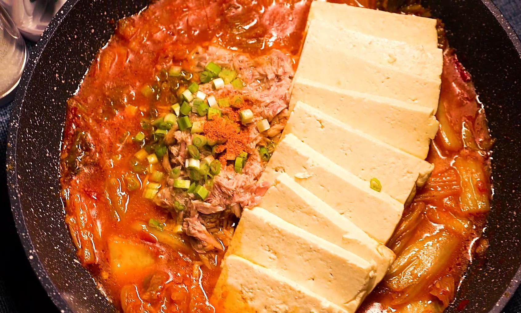 金枪鱼泡菜汤,学会小窍门,助你成大厨