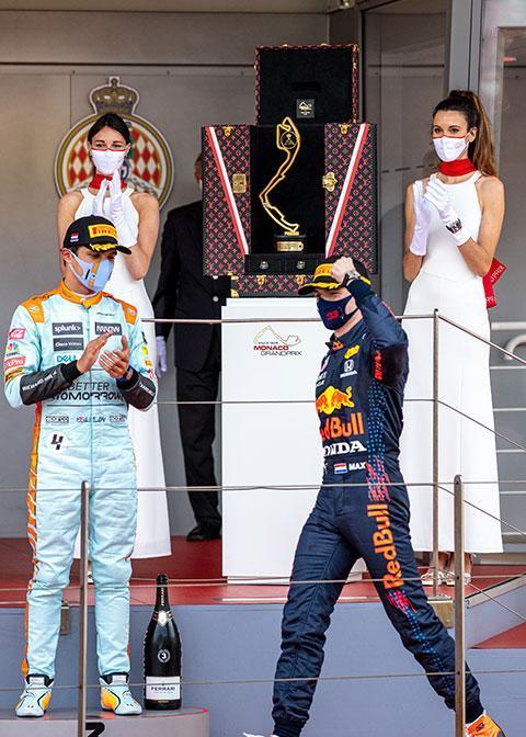 马克斯维斯塔潘获颁路易威登F1摩纳哥大奖赛奖杯定制旅行硬箱