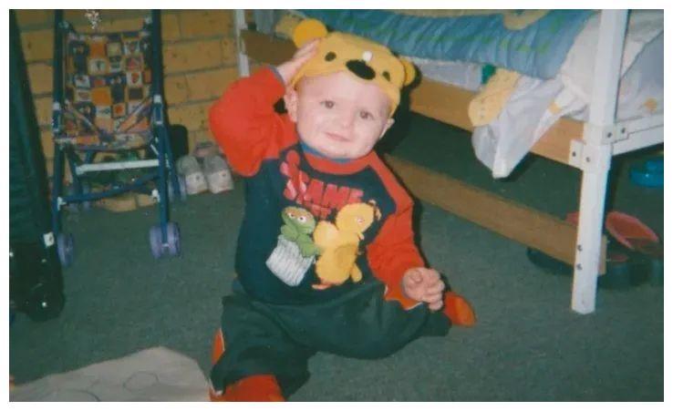 奇葩!男子被指误杀伴侣21个月大男婴!16年后才被起诉