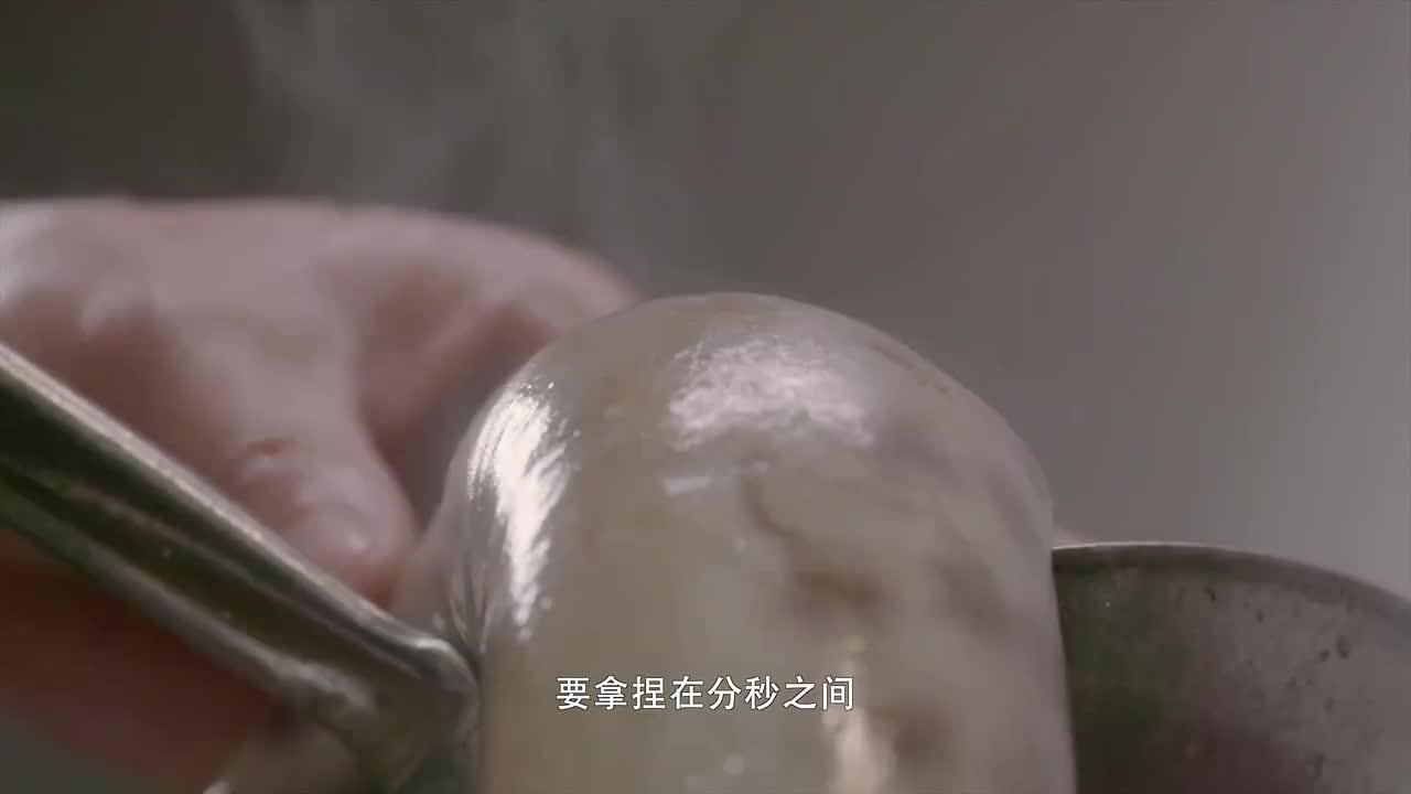 沸腾吧火锅:蒜泥是血肠的绝配