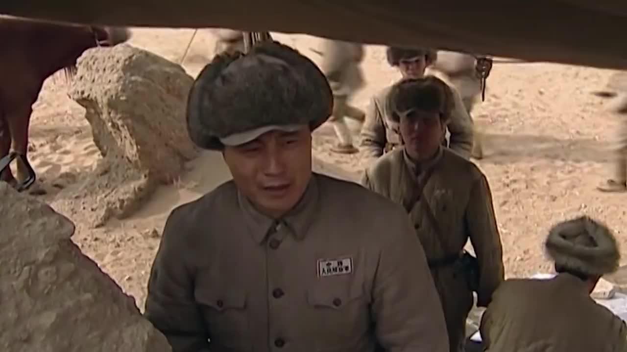 战北平:小兵不听指挥,要攻打古建筑,下一秒小伙教他做人