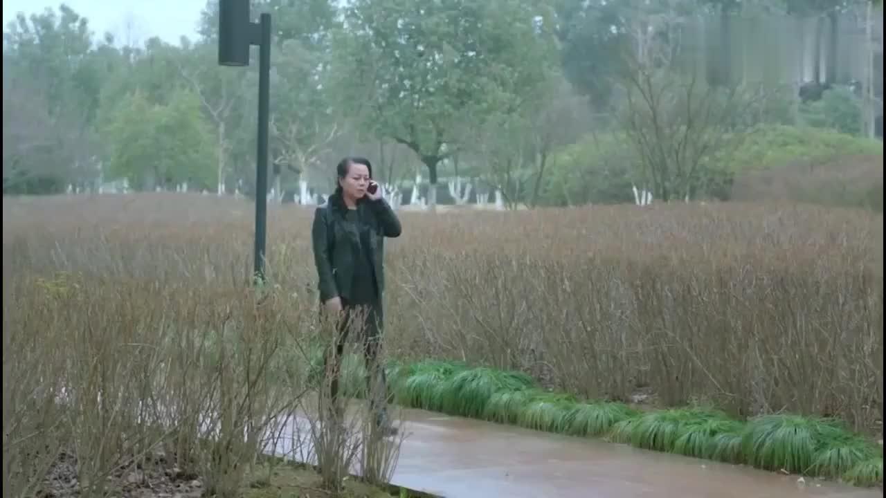 鸡毛飞上天:吴姐看起来怪怪的,却帮玉珠大忙,真是难得啊
