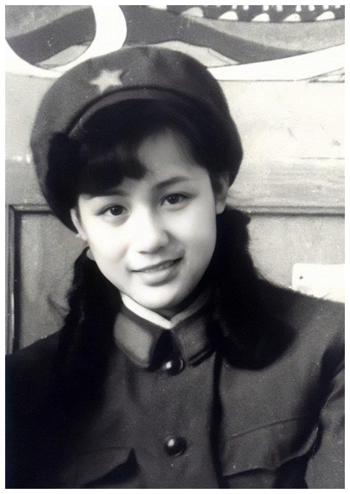 演员李建群_演员李建群去世,曾是第一古典美人,生前饱受折磨头发掉光 ...