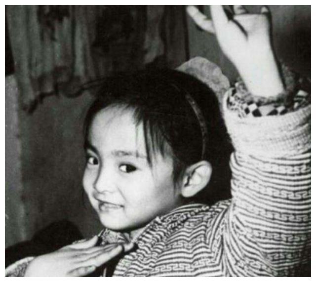 聋哑女孩邰丽华:春晚千手观音一舞惊艳众人,多次拒绝豪门嫁爱情