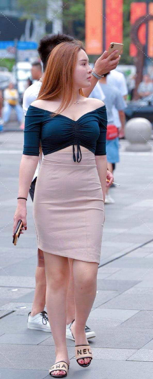 """春季正当时:""""婴儿肥""""身材穿搭半身裙,减龄又撩人"""