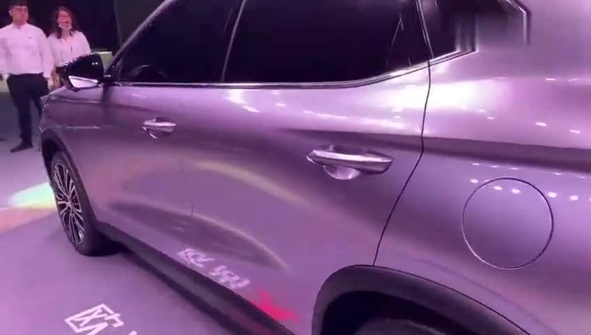 视频:抢鲜看:长安欧尚X5双腰线设计,运动感更强