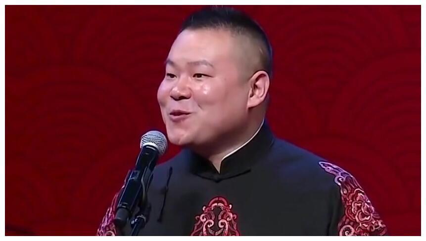岳云鹏:从服务员到扫地工,岳云鹏为何成了德云社的门面
