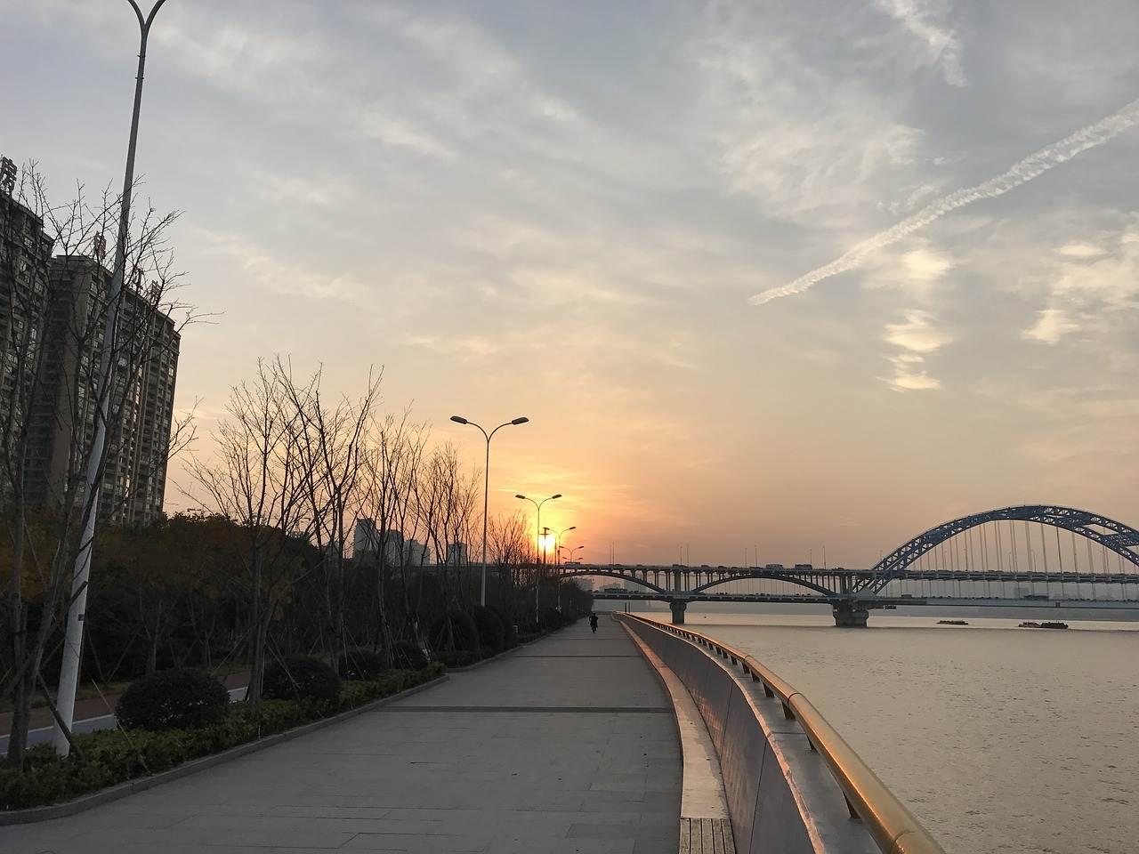 杭州究竟有啥特别这么吸引带货明星?
