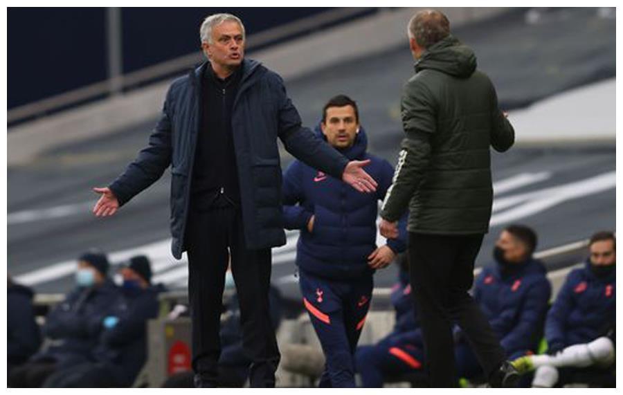 穆帅不敌曼联后不服:热刺不该输球,博格巴肘击奥利耶也许应染红